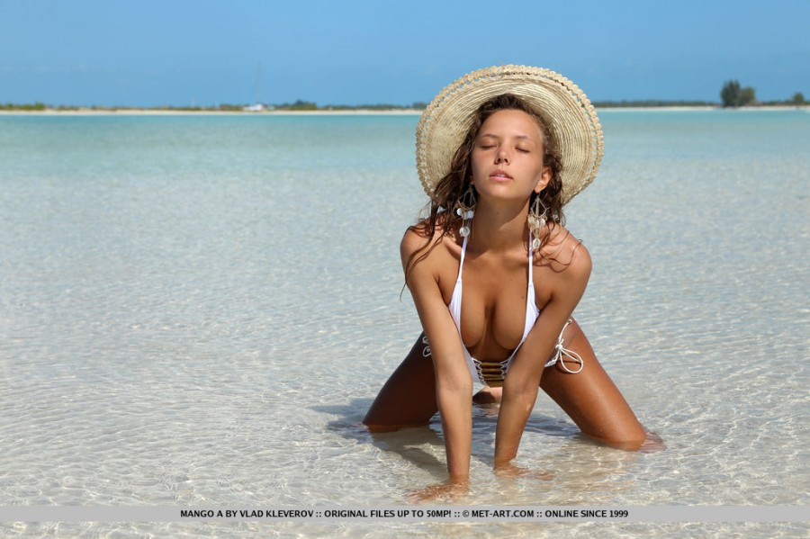 Cute Babe Mango A on the Beach By Vlad Kleverov