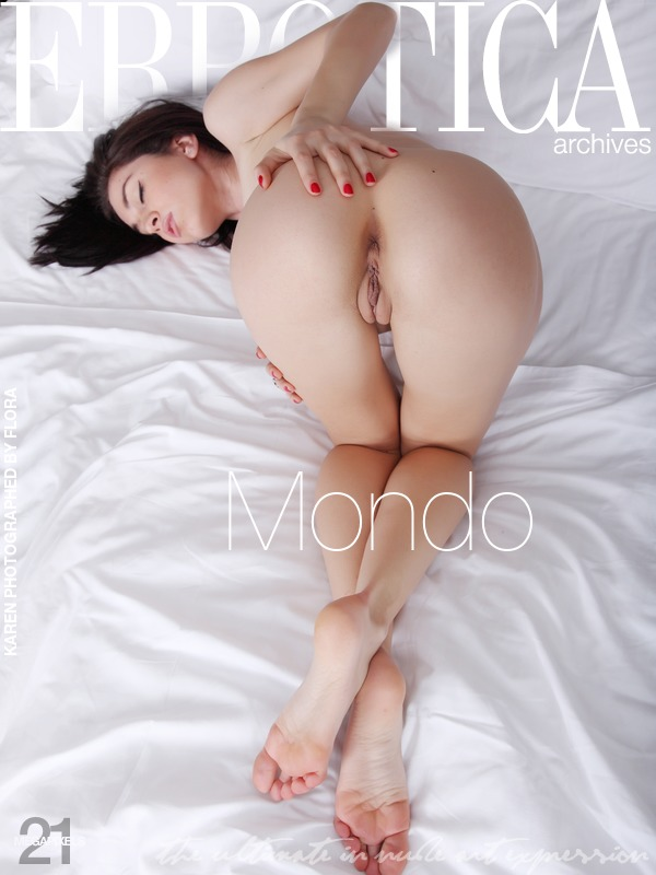 Cute Babe Karen in Mondo by Flora