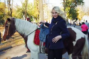 Cute Blonde Cordelia A in Roja